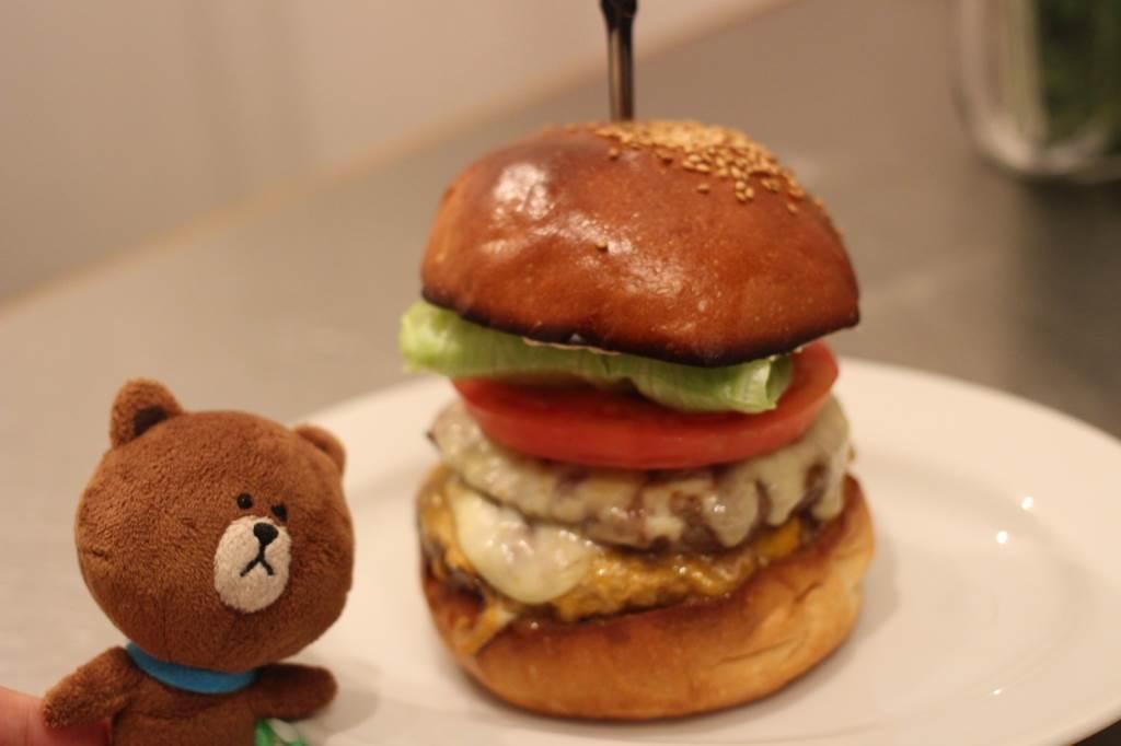 【肉汁デパート!】ハンバーガーの概念を変えるエクセレントな一食はリピーター確定